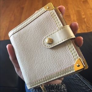 Authentic Louis Vuitton Suhali Compact Zip Wallet